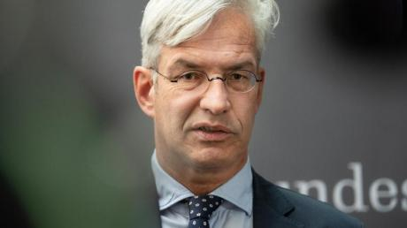 Für Mathias Middelberg (CDU) ist die Asylzuwanderung in Deutschland immer noch zu hoch.