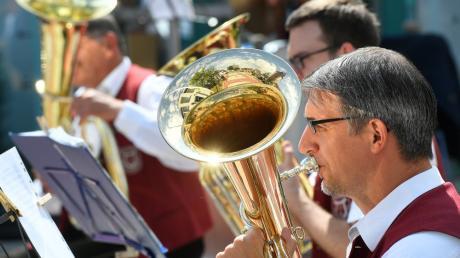 Der Musikverein Graben sucht einen neuen Dirigenten. Doch der ist offenbar nur schwer zu finden.
