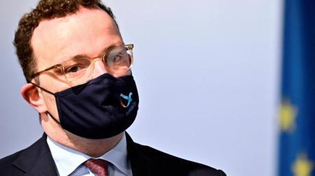 Gesundheitsminister Jens Spahn führt eine Testpflicht für Reiserückkehrer aus Risikogebieten ein.