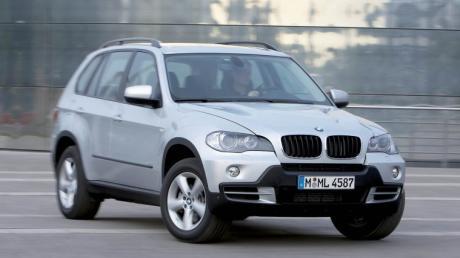Das Symbolfoto zeigt einen BMW X5.