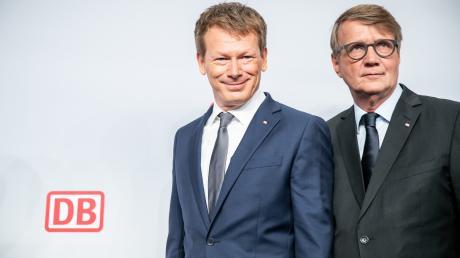 Bahn-Chef Richard Lutz (links) und Vorstandsmitglied Ronald Pofalla.