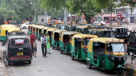 Ein indischer Arzt soll an mindestens 50 Morden an Taxifahrern beteiligt gewesen sein und deren Leichen dann Krokodilen zum Fraß vorgeworfen haben.