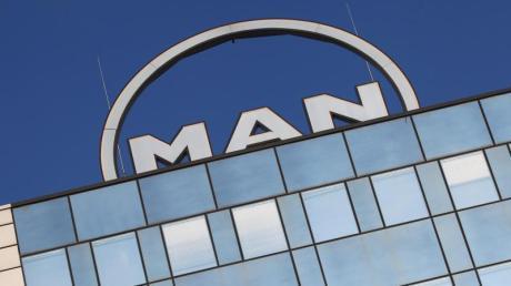 Der Großmotorenhersteller MAN Energy Solutions wird in Augsburg stellen abbauen.
