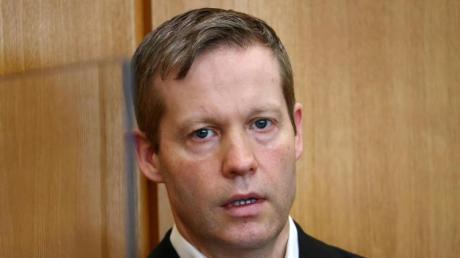 Stephan Ernst hat vor Gericht zugegeben, den tödlichen Schuss auf den CDU-Politiker Walter Lübcke abgegeben zu haben.