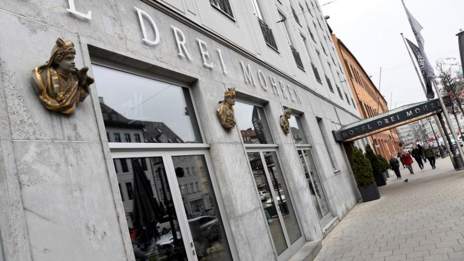 """Das Augsburger Hotel """"Drei Mohren"""" benennt sich nach Kritik an seinem Namen um. Sollten sich andere Betriebe ein Beispiel daran nehmen?"""