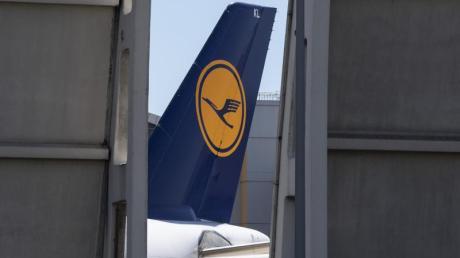 Der Lufthansa-Konzern verhandelt wieder mit den Gewerkschaften über Einsparungen beim Personal. Das geht aber nicht so schnell voran wie gewünscht.