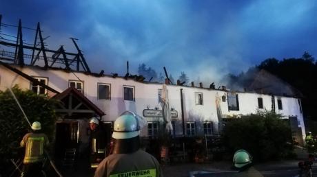 Ein Raub der Flammen wurde am 10. Juli das Landgasthaus in Burgadelzhausen. Noch ist offen, ob die Besitzer die Gastronomie wieder aufbauen.