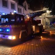 In einem Gebäudekomplex in Greifenberg ist in der Nacht zum Samstag ein Feuer ausgebrochen. Die 45 Bewohner mussten ihre Wohnungen verlassen.