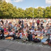 """Zwischen 1200 bis 1500 Demonstarnten kamen zur Demo, die unter dem Motto """"Fest für Freiheit und Frieden"""" stand."""