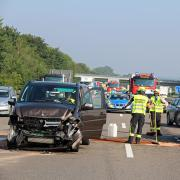 Mehrere Unfälle haben sich am Mittwoch innerhalb kurzer Zeit auf der A7  bei Dettingen an der Iller ereignet.