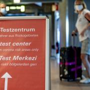 In Augsburg wurde bei fünf weiteren Reiserückkehrern das Coronavirus festgestellt.