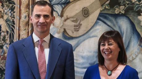 Die Regionalpräsidentin der Balearen, Francina Armengol, traf an ihrem Geburtstag am Montag den spanischen König Felipe VI. Die spanische Königsfamilie verbringt ihre Ferien auf Mallorca.