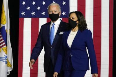 Erster gemeinsamer Auftritt: Biden und Harris greifen Trump als Team an