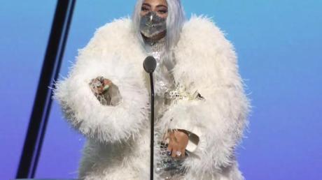 ES war der Abend von Lady Gaga, die mit fünf Awards ausgezeichnet wurde.