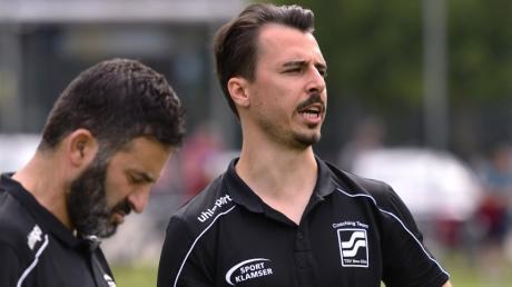 TSV Neu-Ulms Trainer Lukas Kögel (rechts) möchte ab nächster Saison nur noch Spieler des Landesligisten sein. Co-Trainer Bülent Haki übernimmt dann sein Amt.