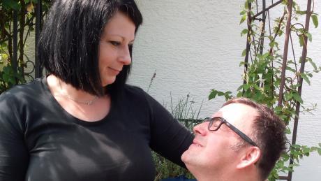 Beate Betz pflegt seit vielen Jahren ihren Mann.
