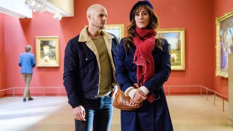 """Antoine Verlay (Nicolas Gob) und Florence Chassagne (Éléonore Gosset) ermitteln in Staffel 4 von """"Art of Crime"""" wieder zusammen."""