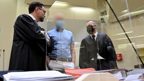 Vor dem Landgericht München II hat der Prozess gegen den mutmaßlichen Doping-Arzt Mark S. begonnen.