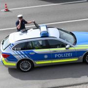 Bei zwei Unfällen auf der A8 nahe der Anschlussstelle Leipheim waren mehrere Fahrzeuge beteiligt. Drei Personen wurden leicht verletzt.