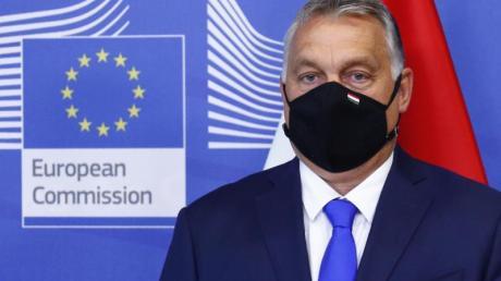 Der ungarische Ministerpräsident Viktor Orban steht vor einem Treffen der Visegrad-Staaten im EU-Hauptquartier in Brüssel.