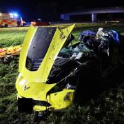Auf der A 96 bei Mindelheim ist ein 66-Jähriger mit seinem Sportwagen ins Schleudern gekommen und hat sich überschlagen. Der Mann wurde schwerverletzt.