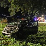 Bei einem Verkehrsunfall in der Nähe von Altenstadt wurden in der Nacht zum Samstag, 26.9.2020, drei Menschen verletzt.