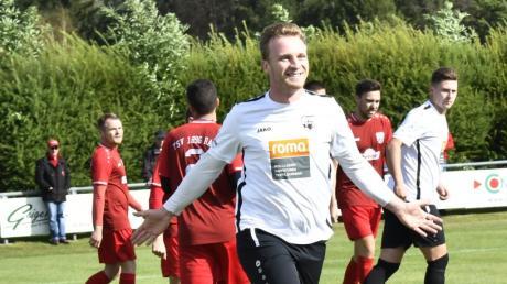 Sven Seibold brachte den SC Bubesheim schon nach zwei Minuten mit 1:0 in Führung. Vorausgegangen war ein Eckball.