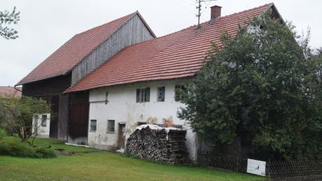 Das landwirtschaftliche  Mittertennhaus bestimmt den Charakter des Mittelneufnacher Dorfkerns. Beim allmählichen Umbau zu Wohnraum soll dieser Stil durch einen Bebauungsplan weitestgehend erhalten bleiben.