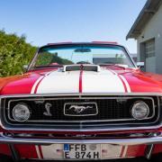 Autoliebhaber haben sich im Rahmen der Wheels on Sunday in Untermeitingen getroffen, um alte amerikanische Autos zu begutachten.