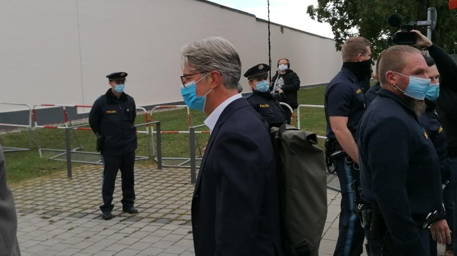 Der angeklagte Ex-Audi-Chef Rupert Stadler kam um 9.13 Uhr beim Gericht an.