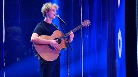 """Moritz Kochs trug im Finale der TV-Show """"Famemaker"""" seinen eigenen Song Hero vor."""