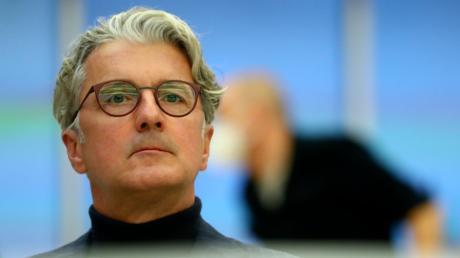 Rupert Stadler, ehemaliger Vorstandsvorsitzender der Audi AG, sitzt im Gerichtssaal im Landgericht München.