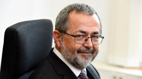 Andreas Wimmer ist der neue Präsident des Augsburger Landgerichts. Gleich zum Antritt seiner Stelle muss er viele Schwierigkeiten meistern.