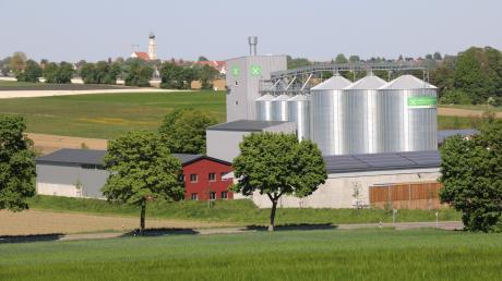 Das Raiffeisenlagerhaus vom Agrarzentrum Lech-Paar in Motzenhofen (Hollenbach) soll ausgeweitet werden.