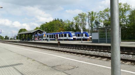 Zahlreiche Züge fallen in den nächsten Tagen auch am Bahnhof in Bobingen aus.