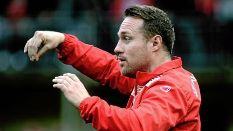 Der SV Tiefenbach und  Trainer Christoph Schregle mussten ein ärgerliches Unentschieden gegen Thalfingen hinnehmen.