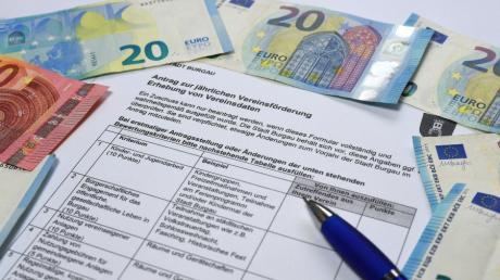 Mit einem Kriterienkatalog bewertet die Stadt Burgau, wie hoch der jährliche Zuschuss für Vereine ist. Die Formulare dafür müssen die Antragsteller ausfüllen.