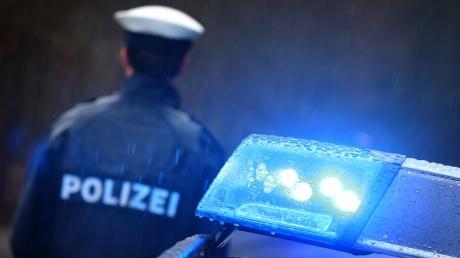 Stehen Polizeianwärter auf dem Boden der Verfassung? Bayern will das künftig wieder automatisch prüfen lassen.