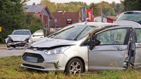 Zwei Fahrzeuge waren am Montagnachmittag in einen Unfall bei Nattenhausen verwickelt. Der junge Unfallverursacher hatte bei der Fahr in Richtung Seifertshofen die Stoppstelle missachtet.