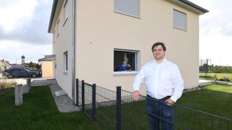 Während Stefan Müller-Meerkatz die Quarantäne verlassen konnte, müssen seine Frau Martina und die Kinder weiter isoliert im Haus bleiben.