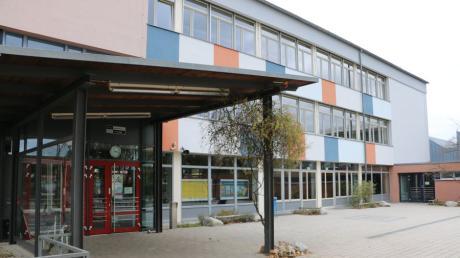 Die Merchinger Grund- und Mittelschule soll noch einmal erweitert werden. Über diese Pläne informierte Bürgermeister Helmut Luichtl in der Online-Bürgerversammlung.