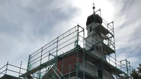 Die Peterskirche in Kissing wird zurzeit aufwendig saniert.