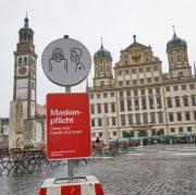 Die Menschen in Augsburg fürchten sich vor einem drohenden Lockdown in der Stadt.