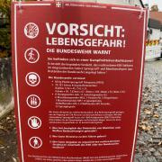 Fragwürdige Plakate wie dieses wurden in Ulm und Blaustein gesichtet.