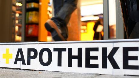 Ein Jettinger Apotheker, seine Frau und sein Schager müssen sich im Dezember vor dem Amtsgericht Günzburg verantworten.