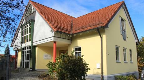 Der Elternbeirat klagt darüber, dass der Platz im Steindorfer Kindergarten nicht ausreicht. Bald soll im Gemeinderat darüber beraten werden.