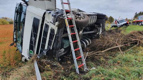 Auf der A96 hat sich zwischen Türkheim und Buchloe ein Unfall ereignet.