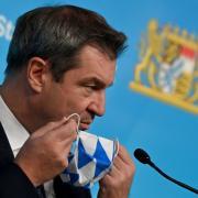 Markus Söder informiert heute bei einer Pressekonferenz darüber, wie die verschärften Corona-Regeln in Bayern konkret aussehen werden.