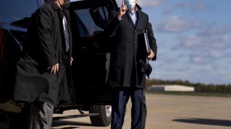 Joe Biden auf dem Weg zu einem Wahlkampfauftritt in Cleveland.