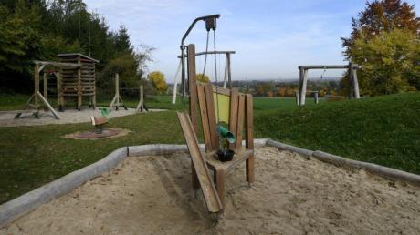 Wenn die Prüfung zeigt, dass alle Mängel abgestellt wurden, kann der Spielplatz in Biberbach endlich wieder komplett genutzt werden.
